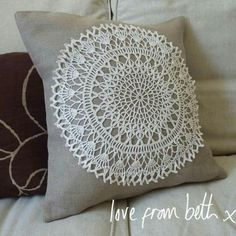 Sewing Pillows Patchwork Cushion Tutorial 51 Ideas For 2019 , Crochet Cushions, Sewing Pillows, Crochet Pillow, Scatter Cushions, Diy Pillows, Crochet Doilies, Decorative Pillows, Boho Pillows, Cushion Tutorial