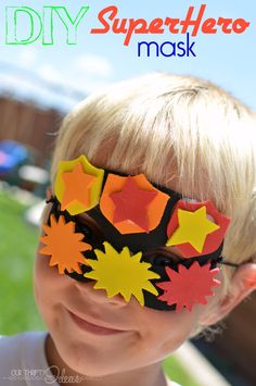 DIY superhero mask made of craft foam. Let the children use their imagination and creation … - Upcycled Crafts DIY Quick And Easy Crafts, Easy Diy Crafts, Easy Craft Projects, Craft Tutorials, Summer Crafts, Crafts For Kids, Family Crafts, Foam Crafts, Craft Foam