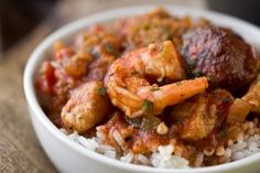 """A Cozy Stew: """"Gumbo-laya"""" With Spicy Sausage, Chicken & Shrimp Turns Up The Heat On Winter"""