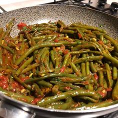 Ricetta Fagiolini alla pugliese - La Ricetta di GialloZafferano Vegetable Side Dishes, Vegetable Recipes, Vegetarian Recipes, Cooking Recipes, Healthy Recipes, Dinner With Ground Beef, Light Recipes, Soul Food, My Favorite Food