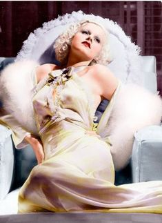 Dedicated to the original blonde bombshell Jean Harlow. Golden Age Of Hollywood, Vintage Hollywood, Hollywood Glamour, Classic Hollywood, Hollywood Stars, Jean Harlow, Joan Collins, Jayne Mansfield, Divas