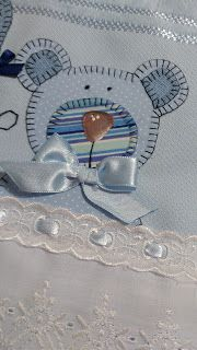 LOY HANDCRAFTS, TOWELS EMBROYDERED WITH SATIN RIBBON ROSES: CONJUNTO MENIN0