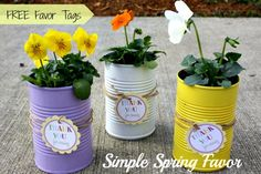 DIY Simple Soup Can Flower Favors - FREE favor tag included! Great spring favor or decoration! #bridalshowerfavor #bridalshower