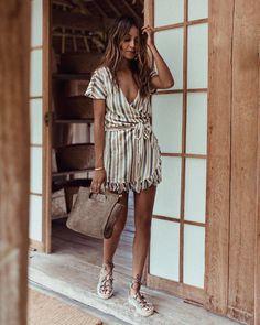 "77.3 mil Me gusta, 578 comentarios - JULIE SARIÑANA (@sincerelyjules) en Instagram: ""Bali diaries.  wearing @soludos / Ph. by @grantlegan"""