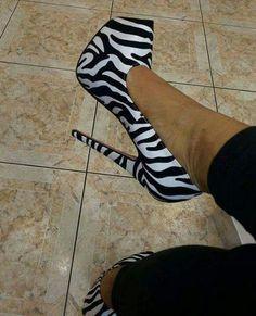 hot high heels in glue Sexy High Heels, Walking In High Heels, Walking Shoes, High Heel Boots, Shoe Boots, Pumps Heels, Stiletto Heels, Stilettos, Zebra Heels