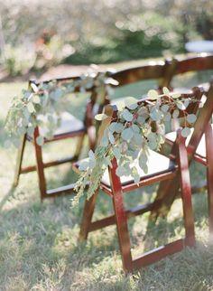 Garland: http://www.stylemepretty.com/2015/03/19/rustic-and-elegant-tampa-yacht-club-wedding/ | Photography: Justin DeMutiis - http://justindemutiisphotography.com/