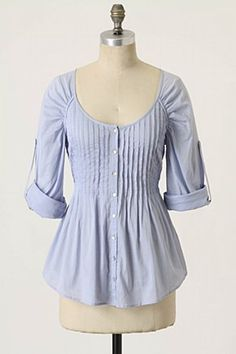 pleated shirt with raglan sleeves w/ gathers - neat shirt refashion inspiration! With a change of neckline this could be fun to do with a suit-shirt! :)