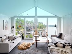 The view, and the openness.  Vacation homes should be more about the exterior then anything, and this one nails it.  (Credit to Sköna Hem, via My Scandinavian Retreat.)