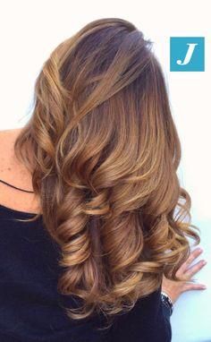 Sfumature Honey Caramel Degradé Joelle #cdj #degradejoelle #tagliopuntearia #degradé #igers #musthave #hair #hairstyle #haircolour #longhair #ootd #hairfashion #madeinitaly #wellastudionyc