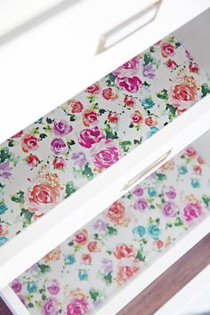 DIY: How to Make Your Own Drawer or Cabinet Liners - using your favorite wrapping paper and clear contact paper - via IHeart Organizing: Quick Tip Tuesday: Gift Wrap Drawer Liners Diy Drawer Liners, Shelf Liners, Kitchen Drawer Liners, Diy Drawers, Kitchen Drawers, Kitchen Cabinets, Kitchen Shelves, Contact Paper Cabinets, Shelf Paper