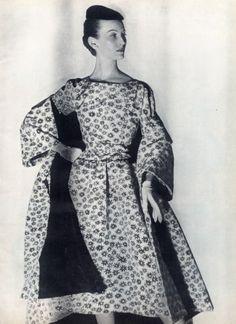 Balenciaga 1954 Black and White Marguerites Louise Dahl-Wolfe