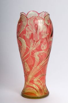 Stevens & Williams vase - citron glass cased with red, intaglio cut in Art Nouveau style with iris flowers and leaves, the centre of the four flowers applied with drops; Belle Epoque, Steven Williams, Jugendstil Design, Modernisme, Art Of Glass, Art Nouveau Design, Antique Glass, Vintage Art, Vintage Vases
