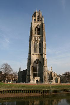 The Boston Stump [St Botolph's Church] in 2012 Religious Architecture, Church Architecture, Beautiful Architecture, Beautiful Buildings, Victoria Apartments, Places To Travel, Places To Visit, England And Scotland, England Uk