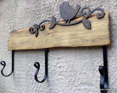 old wood idea Diy Wall Art, Wood Wall Art, Rustic Coat Rack, Decoupage Vintage, Iron Art, Pallet Shelves, Into The Woods, Home Room Design, Steel Furniture