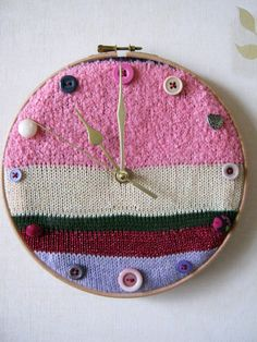 Knitted Clock by Naomicreations on Etsy, £15.00