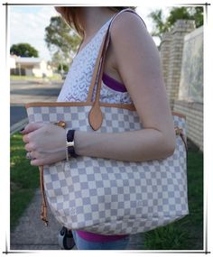 I have found the holy grail of discount purses online!!!! Neverfull Purse just $235.99 now .Holy Hannah!!! #Neverfull #Louis #Vuitton #Handbags