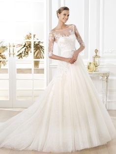 A-line/Princess Scoop 1/2 Sleeves Lace Sweep/Brush Train Tulle Wedding Dresses