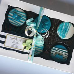 Chocolate covered oreos... #craftedbychaz #chocolate #oreos #babyboy #mommy  #gifts