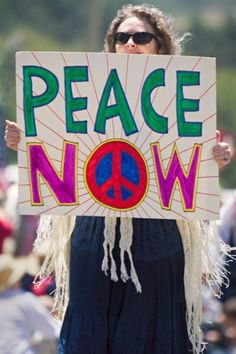 "Demonstrating for peace - Peace rallies were a fairly common occurrence in the late when Americans were tiring of what seemed was an ""unwinable war"", and as American troop losses kept growing. Hippie Style, Hippie Love, Hippie Vibes, We Are The World, Change The World, In This World, Peace On Earth, World Peace, Rainbow Gathering"