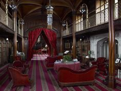 On the right of the picture are little nooks to sit and read in. Credit to Arundel Castle Trustees Ltd, Paul Barker Norfolk, Castle Rooms, Castle Bedroom, Library Study Room, Arundel Castle, Castle Howard, Dark Castle, Sala Grande, History Of England