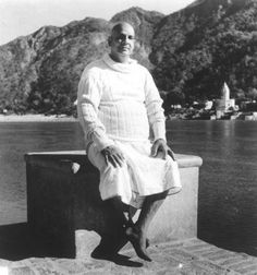 Bharatham : Uthishtatha-Jagratha : (wef-05/11/2012. ): Sivananda's Personality - 25.