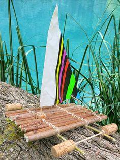 Construire un bateau-radeau à voile avec les enfants