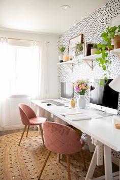 Cozy Home Office, Home Office Setup, Home Office Organization, Home Office Space, Office Inspo, Office Spaces, Chic Office Decor, Gold Office, Desk Office