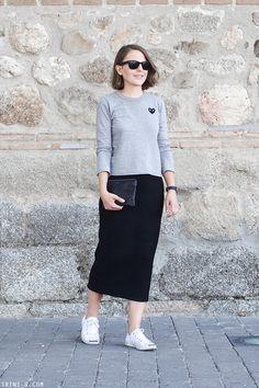 Trini | Isabel Marant midi skirt -Comme des Garçons PLAY t-shirt - Converse Jack Purcell sneakers