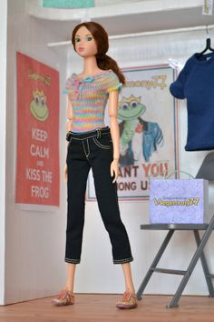 #Momoko #doll in black three quarters jeans and hand knit top #momokodoll