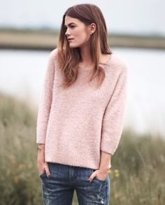 Zippora sweater - Wrap London - In our favourite, super light fluffy alpaca bouclé this boxy fit sweater has a relaxed silhouette with a round neck and dropped shoulders. Cosy and warm, perfect weekend wear. 89% Alpaca 11% Polyamide.