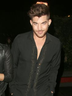Adam Lambert Flashes A Smile At The Chateau Marmont Sat 25 Jan 2014