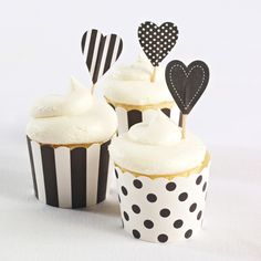 Cupcake Toppers (pack of 25)-Black Hearts (available in other colors) | #exclusivelyweddings | #blackandwhitewedding