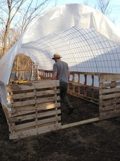 Greenhouses – What Do You Grow In Yours? Pallet Greenhouse, Diy Greenhouse Plans, Greenhouse Gardening, Cattle Panels, Future Farms, Cold Frame, Hobby Farms, Coops, Woodworking Projects Plans