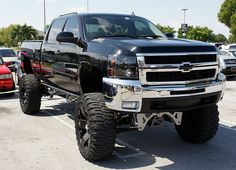 Pix For > Jacked Up Chevy Mudding