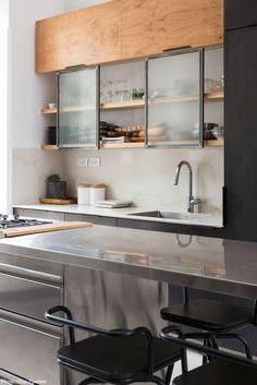 New kitchen cabinets glass modern interior design ideas Industrial Kitchen Design, Modern Kitchen Design, Rustic Kitchen, Interior Design Kitchen, Modern Interior Design, New Kitchen, Kitchen Decor, Interior Decorating, Rustic Industrial