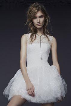 Vera Wang Bridal Fall 2015 - Slideshow - Runway, Fashion Week, Fashion Shows, Reviews and Fashion Images - WWD.com