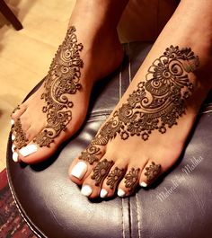 Starting off the new year just right   #mehndi #henna #mehndidesign #mehndibymaliha #art
