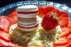 Rezept Macarons mit weißer Schokolade, gefüllt mit roher Erdbeermarmelade.