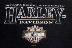 Milwaukee Harley Davidson T-shirt XL Wisconsin Motorcycles Logo Black Mens 1997