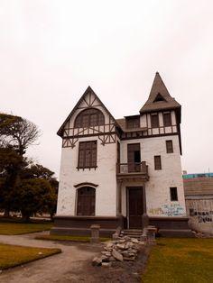 Guitarra Viajera - La Casa de Las Brujas - Paramonga - Lima - Perú