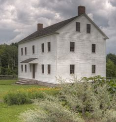 Shaker Village Pleasant Hill In Kentucky Is A Red Community And Living History Museum It Must See When You Visit