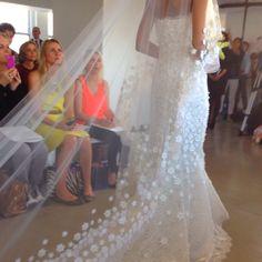Love the Oscar de la Renta floral embroidered veil!