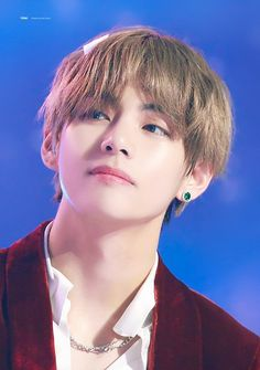 Discovered by ❁ ĸ α y ❁. Find images and videos about kpop, bts and v on We Heart It - the app to get lost in what you love. Bts Kim, Kim Namjoon, Kim Taehyung, Jimin, Bts Bangtan Boy, V Bts Cute, I Love Bts, Billboard Music Awards, Foto Bts