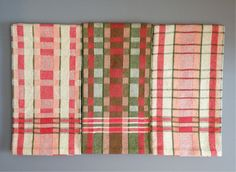 Coral towel variations. Woven on an 8 shaft loom, but the colors are nice and would make lovely tea towels.