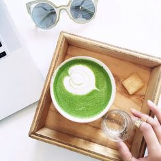 Anyone else still love a hot matcha latte in the summer heat? That creamy foam is just toooo good. If we can handle hot congee on Hong Kong summer trips we can handle a latte in our west coast summer. The sacrifices () we make for our tastebuds right? As a side note you haven't lived if you haven't sweat through congee on hot and humid Hong Kong day! : @anchyi