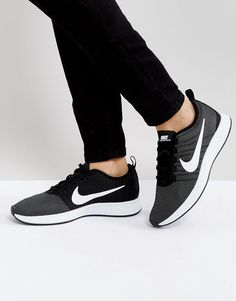 778e4b32a1316 Shop Nike Dualtone Racer Trainers In Black at ASOS.