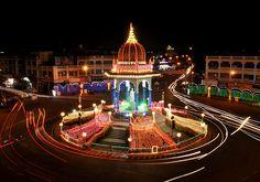 The Dasara festivities began with the #Vijayanagar kings as early as the 15th Century. The city of Mysore has a long #tradition of #celebrating the Dasara festival with utter grandeur and pomp. The #Dasara #festival completed 400th anniversary in year 2010.   #MysoreDasara #Mysore #Karnataka #travelIndia #travellingIndia #travellinginIndia #festivalsinIndia #festivalseason #festiveseason #historyofIndia #cultureofIndia #India