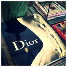 #Dior #interiordesign #mecoxgardens#furniture #shopping #design#decor #home #designidea#room #vintage #antiques #garden