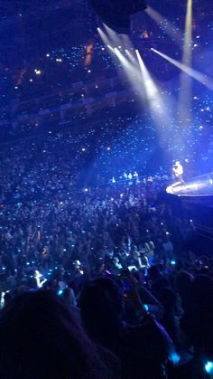 Justin Bieber Videos, Justin Bieber Tour, Justin Bieber Concert, Justin Bieber Pictures, Bts Concert, Shawn Mendes Music, Singer One, Mendes Army, Imaginary Boyfriend