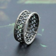 Another version of the lace ring, this time with more beads. Available in my ets… - DIY Jewelry Boho Ideen Wire Jewelry Making, Wire Wrapped Jewelry, Diy Jewelry, Beaded Jewelry, Jewelry Design, Jewellery Making, Jewlery, Silver Jewelry Box, Silver Jewellery Indian